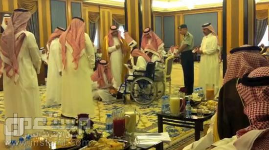 متى يجلس على الارض خالد التويجري للمواطنين
