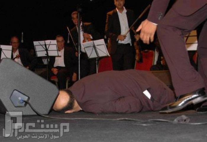 يموت فوق المسرح قبل بداية الحفل