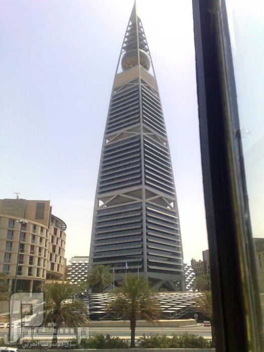 برج الأذاعة وبرج المياه في الرياض أصبح جزء من الماضي والذكريات برج الفيصلية