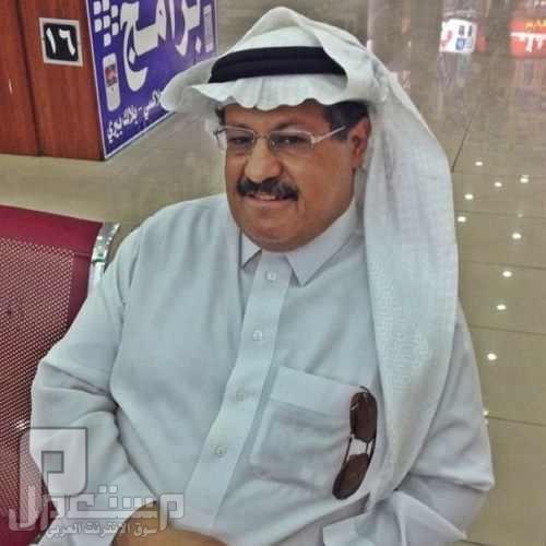 الفنان السعودي محمد الكنهل يقضم أنف زوجته الفنان محمد الكنهل
