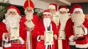 """طالبات """"المؤسِّس"""" بالشرفية يحضرن المحاضرات بملابس """"بابا نويل"""