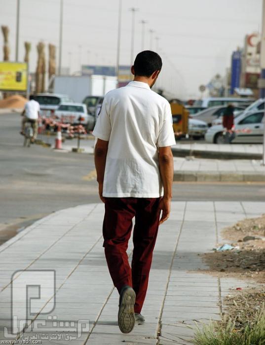 «الحراس».. قست عليهم الظروف وقسونا عليهم حارس أمن سعودي كان يتسول للحصول على مبلغ يوصله لبيته