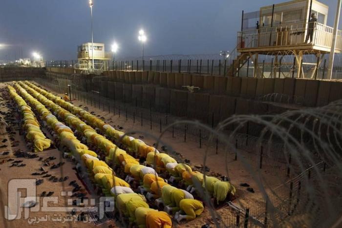 عندما يحين وقت الصلاه لا احد يمنعنا من ادائها في السجن