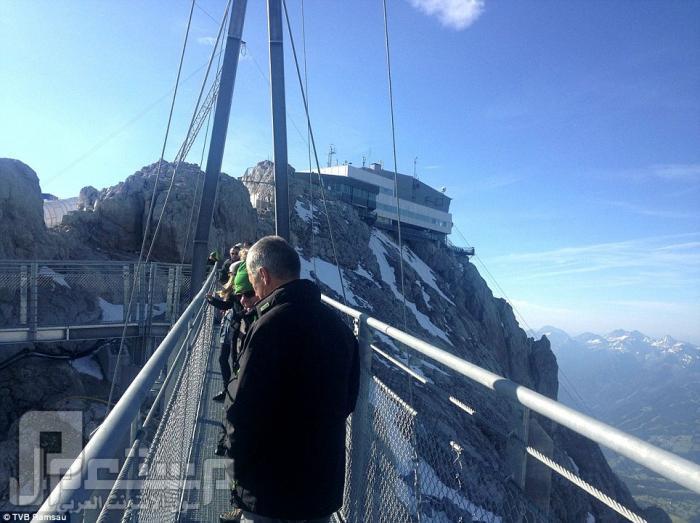 """بالصور.. """"أخطر جسر مشاة في العالم"""" بالنمسا"""