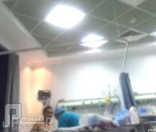 فيديو: مغردون يتداولون مقطع يُوثق سوء تعامل وقسوة ممرضتان بمستشفى خاص