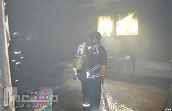 صور: الدفاع المدني ينقذ أسرة من حريق اندلع بمنزلهم بجدة