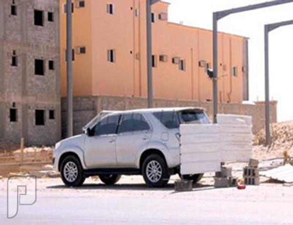 صورة: مركبة ساهر مغطاة بعوازل لمنع قائدي السيارات من رؤيتها بتبوك