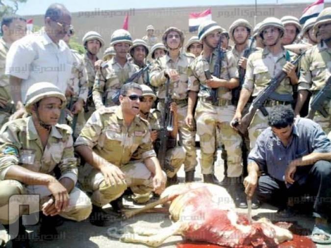 مقطعين لذبح الأضحية واقتراح عسى ربي يرحمنا ويتقبل جنود مصر وذبح أحد الخرفان تسلم الأيادي