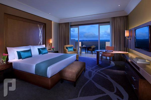 """بالصور.. فنادق """"جنة"""" وسر الرقم 42 في الإمارات"""