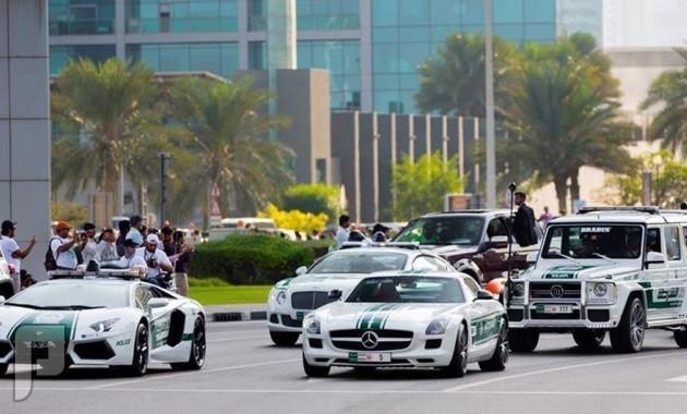 دبي تمتلك اسرع سيارات شرطة في العالم