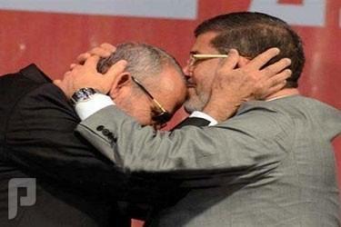 خادم الحرمين الشريفين رغم مرضه .. يزور مصر .. د. مرسي يقبل رأس المرشد بديع