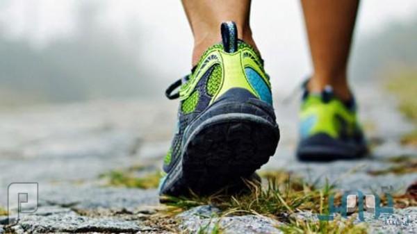 استشاري يدعو إلى تجنب الخمول وممارسة رياضة المشي