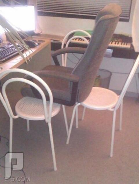 الصورة على والتعليق عليكم :) لاقالك حالي ماشي اهم شي الراحة فعلا بيئة عمل مميزة مع البيانو