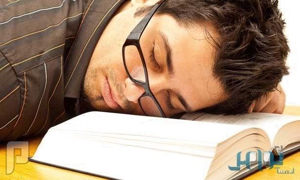 ماذا تفعل حتى لا ينام أبناؤك أثناء المذاكرة؟