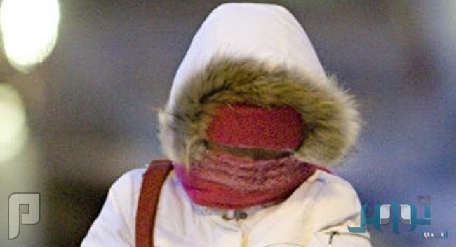 لماذا تشعر المرأة بالبرد أكثر من الرجل؟!