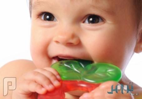 7 طرق مفيدة لتخفيف الام التسنن لدى الاطفال