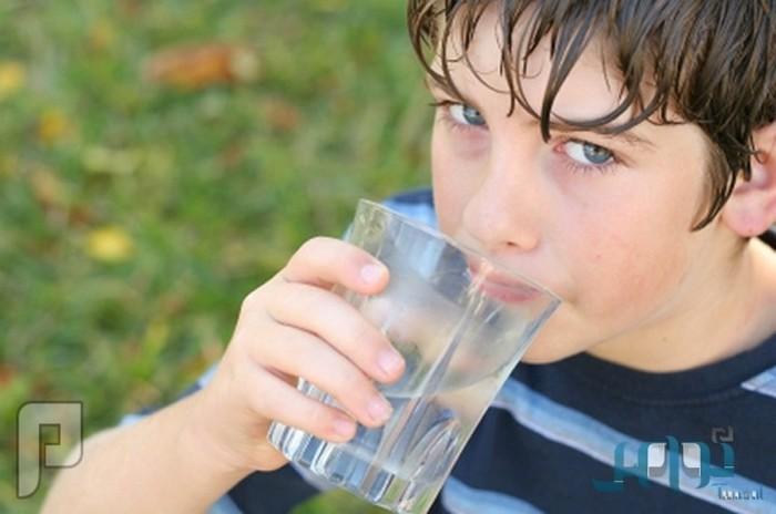 احذر شرب الماء البارد عادة ضارة بصحتك