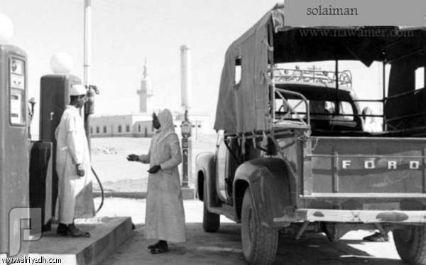 """سيارات الأجرة قديماً.. مشاوير """"الطيّبين"""" على الطلب! سيارات نقل المسافرين بين المدن"""