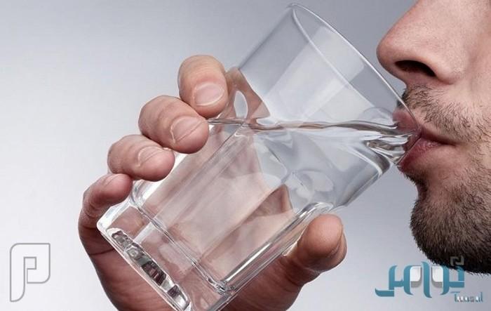 دراسة: شُرب الماء الساخن قبل الإفطار يساعد على فقدان الوزن