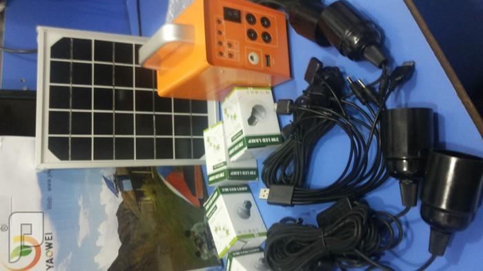 تشكيلة كاملة من الطاقة الشمسية للرحلات وكشتات ولاصحاب الحلال طاقة ممتازةكاملة  4 لمبات لوحة جهاز وصلة فقط