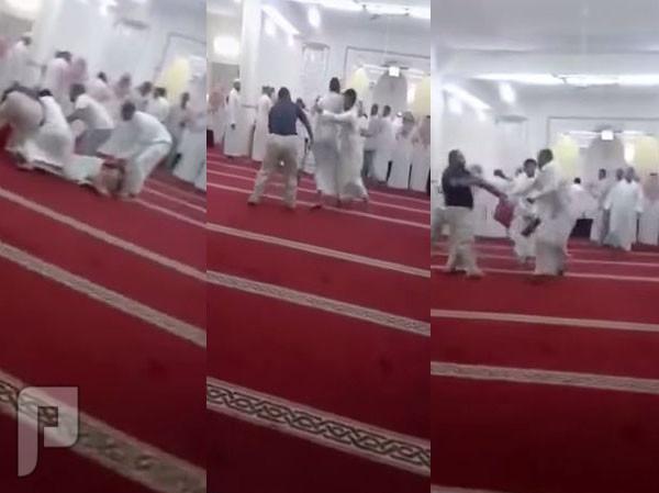 شخص يدعي انه المهدي المنتظر بأحد مساجد السعودية