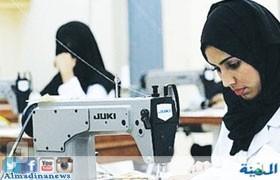 «العمل» تحدد 10 نساء كحد أدنى للالتحاق بخط الإنتاج في المصانع