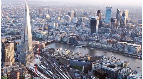 «خروج بريطانيا» يصدم الاقتصاد العالمي.. ويهبط بأسعار المساكن 18 %