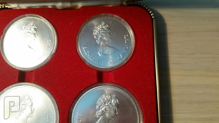 مجموعة تذكارات كندية لاليزبيث من الفضه داخل علبه فخمه