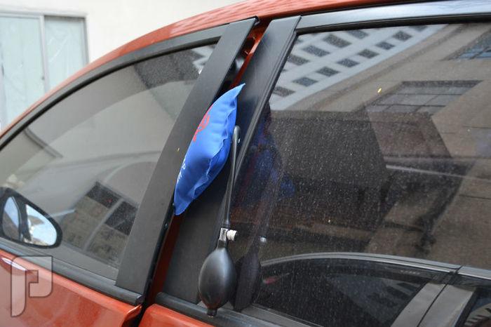 مضخة هوائية لرفع الاوزان الثقيلة وفتح ابواب السيارات وغيرها