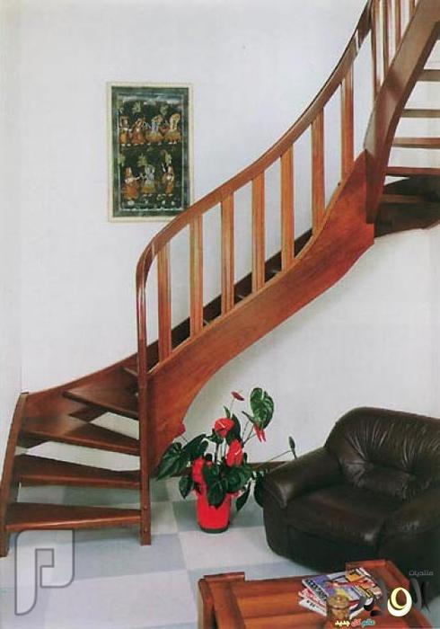 هذي السلالم او الدرج وين القى مثلة ؟