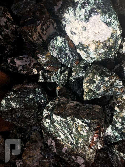 ما نوع هذا الحجر الكريم