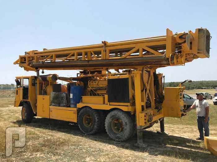 حفار ابار T4T4راند 82 للبيع