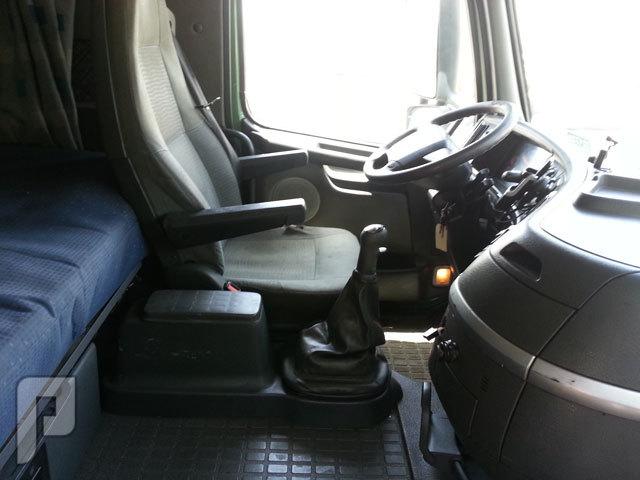 شاحنه فولفو(volvo) موديل 2005.الحجم FH12.420