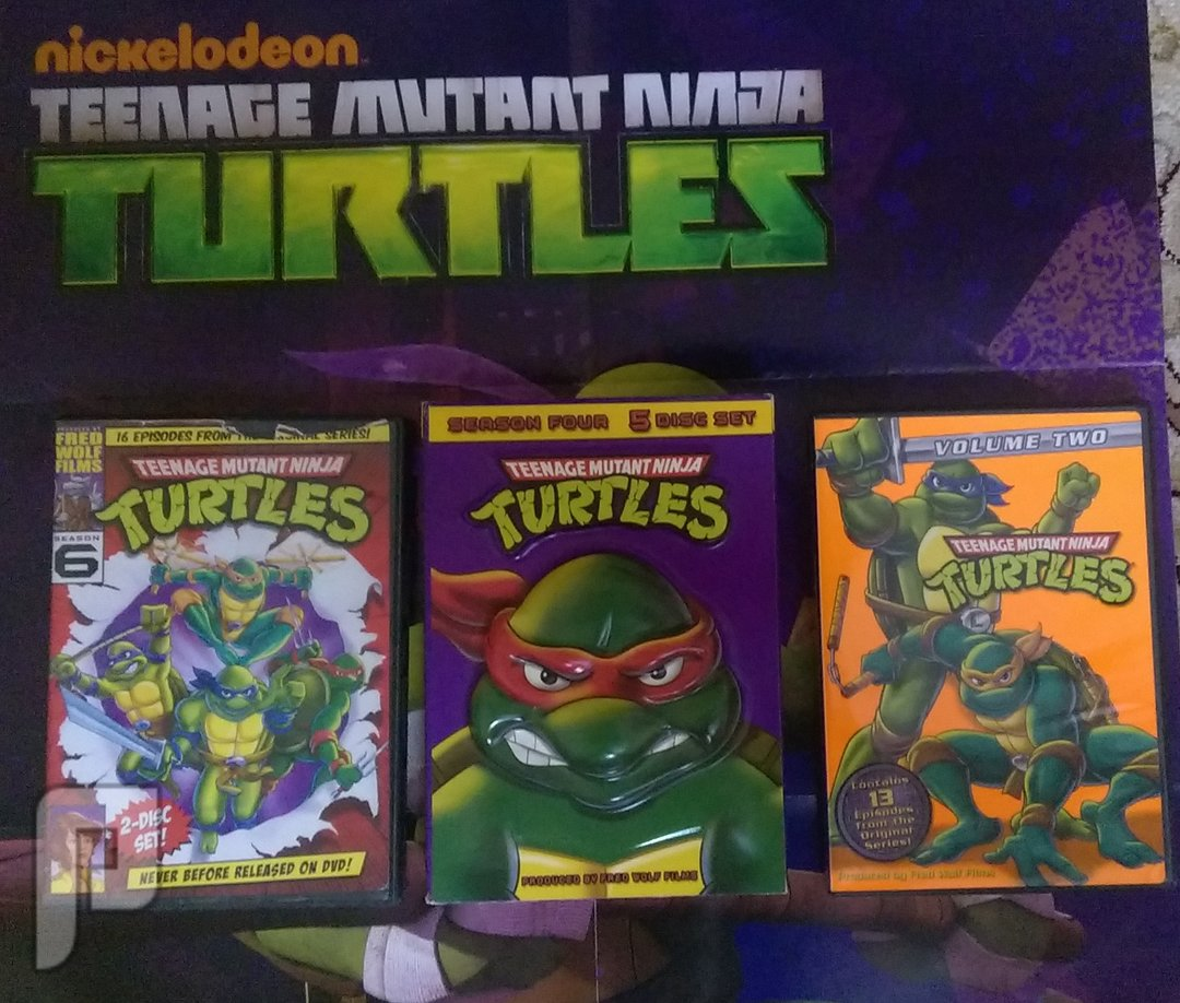 منتجات سلاحف النينجا للبيع - toys - dvd - puzzle مستعملة بـ 60 ريال