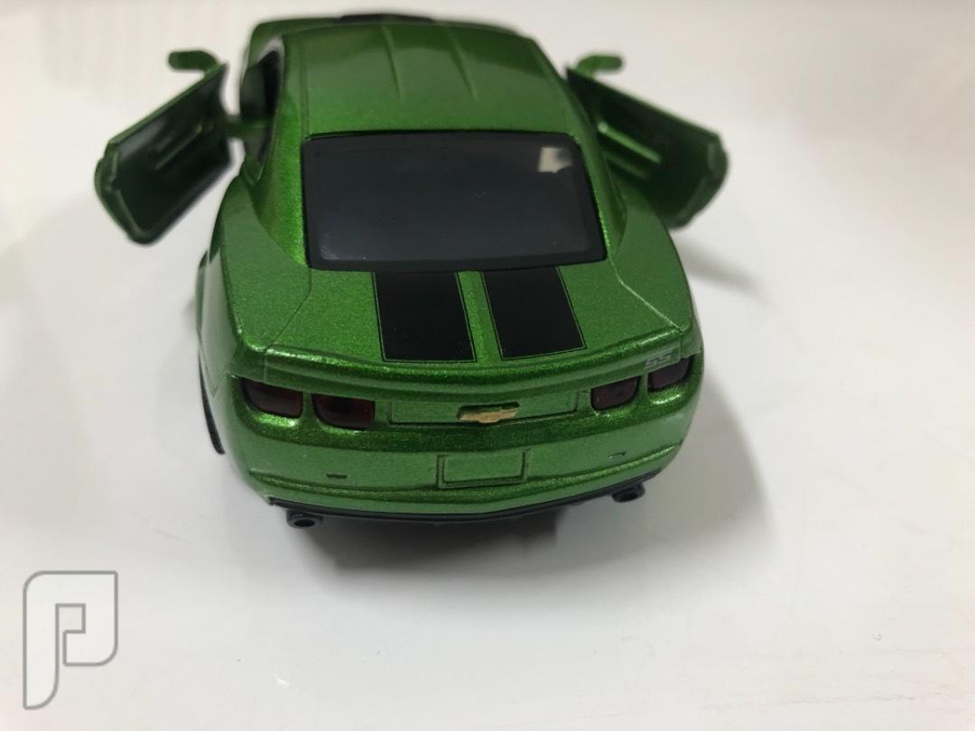 سيارة حديد ألعاب