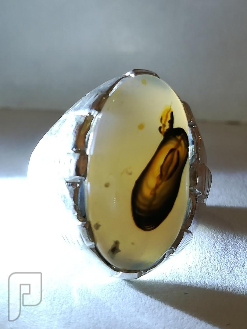 خاتم عقيق يماني طبيعي جدا مصور جميل وانيق وحجر نادر بمعنى الكلمه