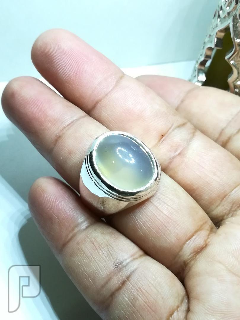 خاتم عقيق يماني مائي صافي