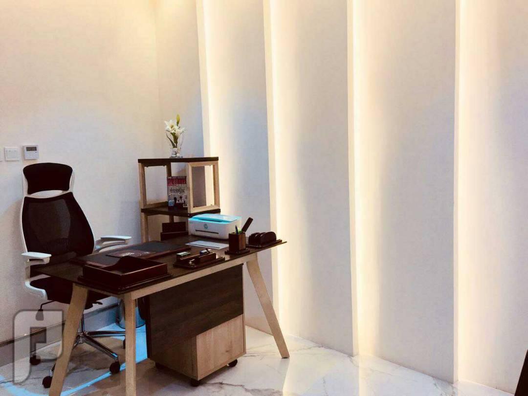 مكتب مجهز شامل الخدمات وغير مجهز للتأجير شمال الرياض