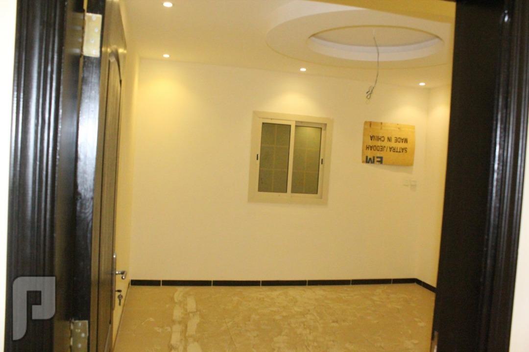 شقه فاخره 3غرف2دورات مياه صاله مطبخ مواقف خاصه وخزانات مياه مستقله