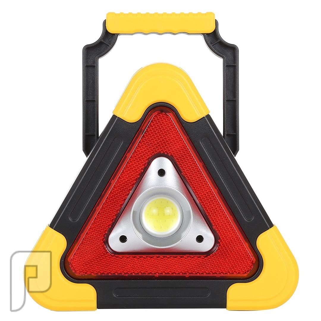 كشاف مثلث الطوارئ بالطاقة الشمسية