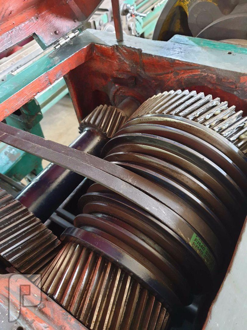 مخرطة معادن مستعمل 2.5 متر باكستانية