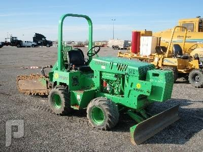 IT#  557 - 2004 DITCH WITCH 3700DD 4X4 TRENCHER AM