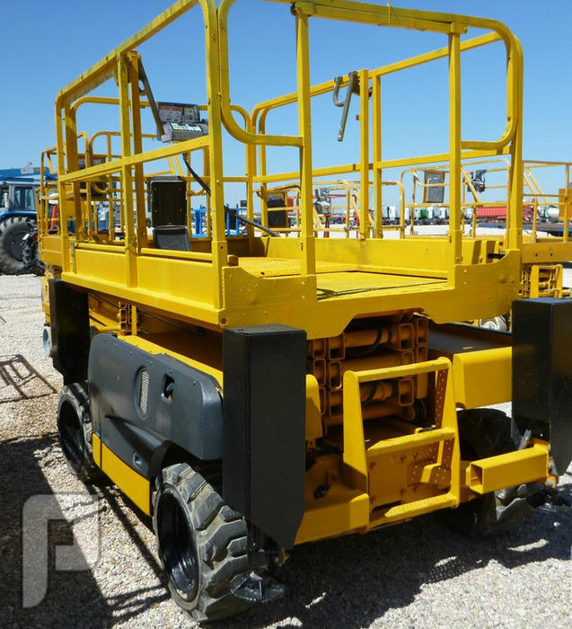 IT#1875 - 2006 -HAULOTTE COMPACT 10DX 4x4 Scissorlift