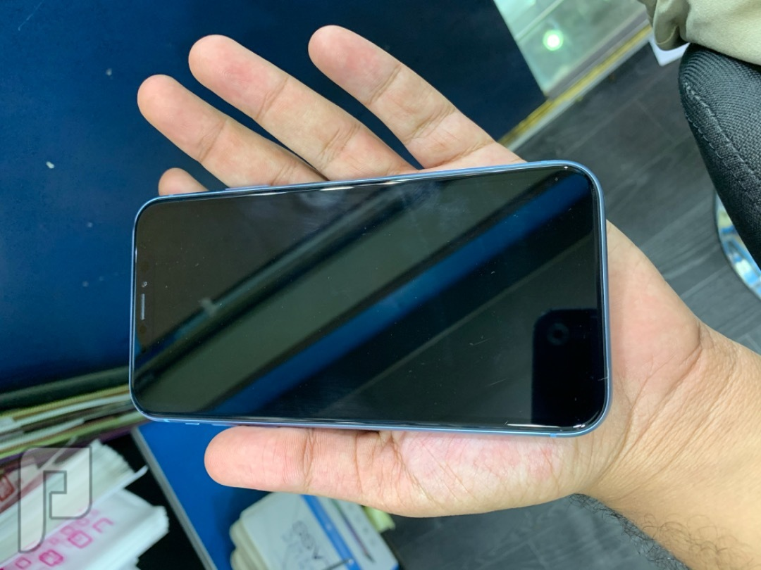 ايفون اكس ار 128 مستخدم ازرق نظيف