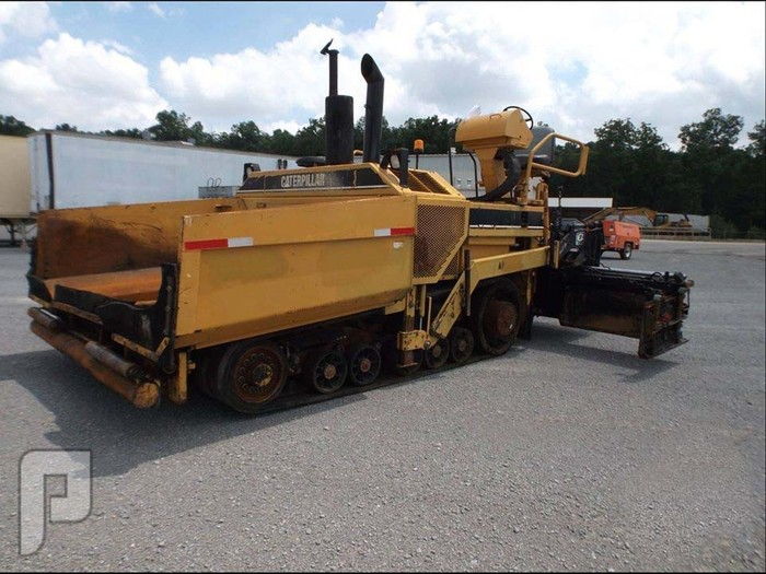 IT# 323 - 2003  CAT 1055B Crawler Asphalt Paver