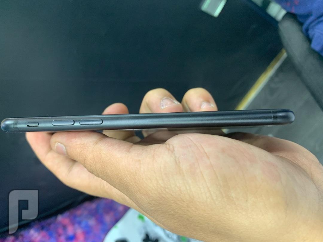 للبيع ايفون 7 اسود مستخدم نظيف