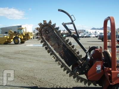 IT# 271 - 2005 DITCH WITCH RT40 4X4 RIDE ON TRENCHER AM