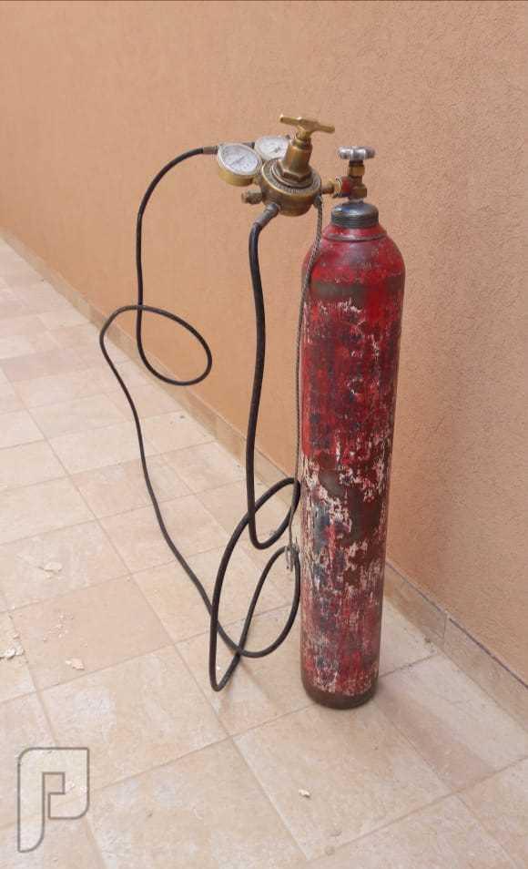 فحص مواسير الغاز وشبكات المياه وكشف تسربات المياه