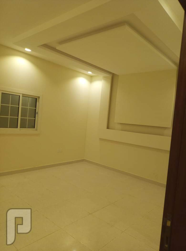شقه6غرف جديده للبيع اماميه مدخلين بسعر مناسب    عرض مميز وحصري من المالك
