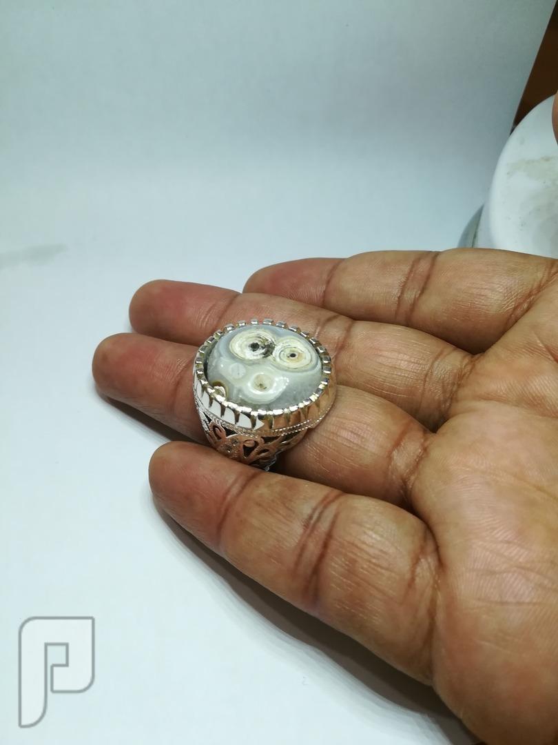 خاتم عقيق هندي مدور ومصور طبيعي